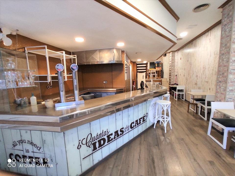 Cafetería funcionando zona Nuevos Juzgados
